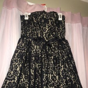 Dresses & Skirts - Black lace semi formal dress